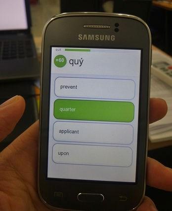 Học từ vựng TOEIC trên địa thoại Samsung Galaxy Young.